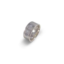 Zilveren ring met ingelegd parelmoer