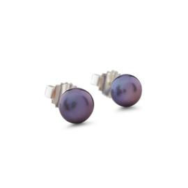 Zilveren oorstekers met paarse zoetwater parels