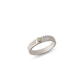 Silver pearle wire ring with 2,5 mm peridot
