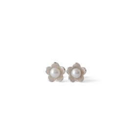 Zilver bloemen oorstekers met zoetwater parels