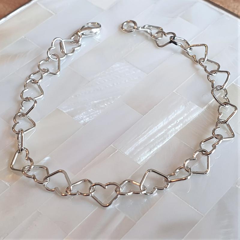 Zilveren harten armband