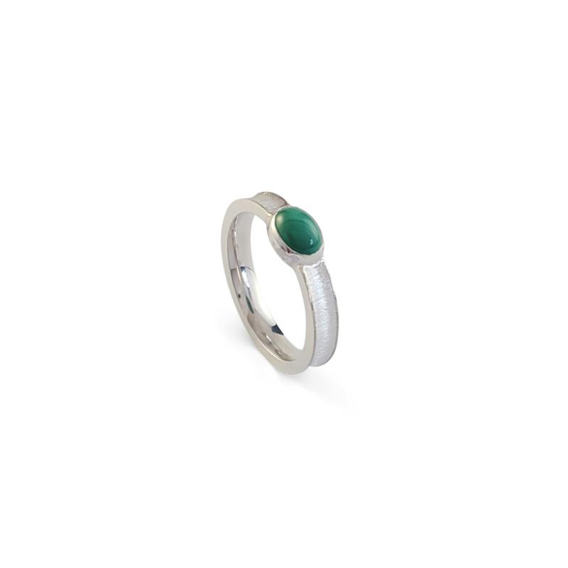 Zilveren ring met malachiet