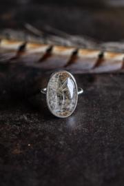 Zilveren dotjes ring met Rutiel