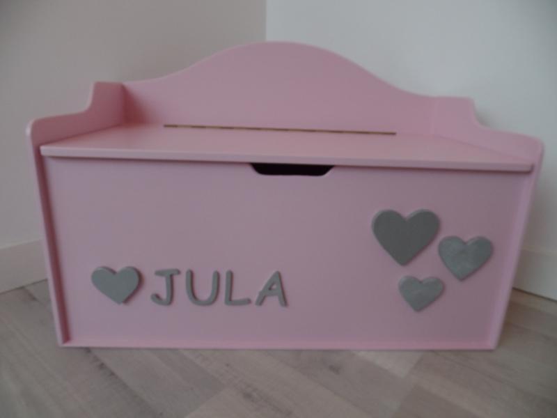 Speelgoedkist roze met hartjes en naam