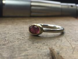 Ringetje met roze/rode Toermalijn