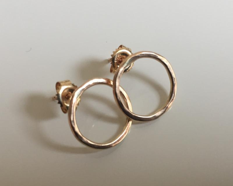 Gouden  oorstekers