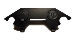 12V aansluiting met Voltmeter dashboard  DL 650 L2 L3 L4 L5 L6 ( 2012-2016 )