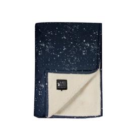 Mies & Co - Soft teddy blanket Galaxy Parasian Night blauw ledikant deken zacht met sterren