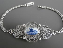 Zilveren filigrain armband met delftsblauwe steen