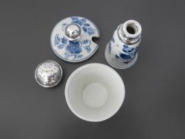 Mosterdpotje en zoutvaatje, zilveren dekseltjes