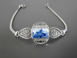 Zilveren armband  met rechthoekige steen.