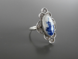 Filigrain zilveren ovale ring.