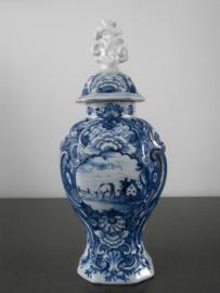 Dekselvaas;  'De Porceleyne Schotel',  1764-1772