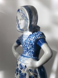 Boerin, 40 cm. De Porceleyne Fles
