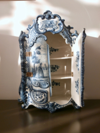 277; Miniatuur linnenkast, Tichelaar Makkum