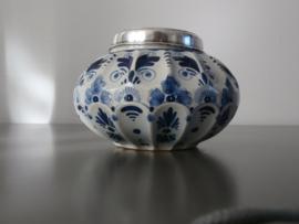 Fraai sierpotje met gemerkt zilveren deksel
