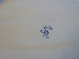 een stel polychrome kartelbordjes, Tichelaar Makkum