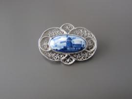 Filigrain broche met ovale steen
