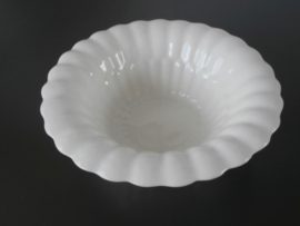 Delfts witte, diepe  plooischotel, De Porceleyne Fles, jaren 30