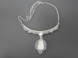 Zilveren collier met hanger