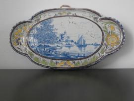 Kleine applique, tinglazuur 1898, De Porceleyne Fles