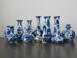 Diverse miniatuurvaasjes van De Porceleyne Fles