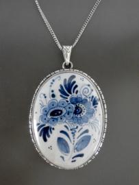 Royaal medaillon met bloemmotief