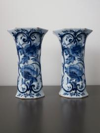 Paar bekervazen,  De Porceleyne Bijl,  1657-1813