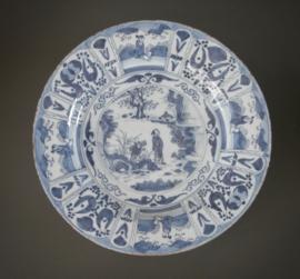 331; Delftse schotel van 33,2 cm in Kraakstijl ca. 1680-1700
