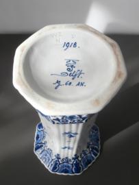 166; Geribde bekervaas 1918 De Porceleyne Fles