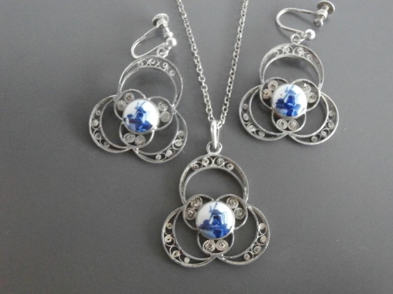 Bijzondere set Delftse sieraden