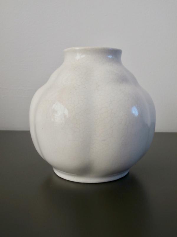 Delfts wit gelobd vaasje , De Porceleyne Fles, jaren 30