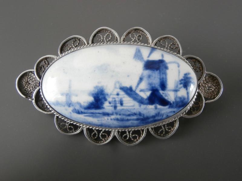 Ovale vroege broche uit Atelier Van Katwijk
