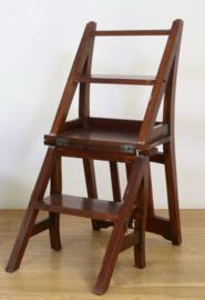 Engels bibliotheek trapje en stoel in één met 4 treden