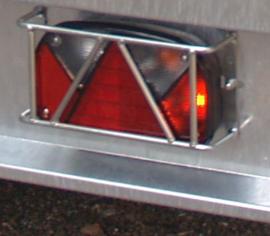 set achterlicht beschermers gemonteerd