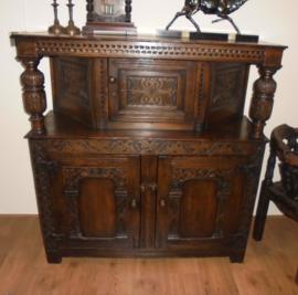 Eiken Elizabethan style Court Cupboard UK– 2e helft 19e eeuw
