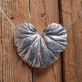 Zilveren Geraniumblad hanger