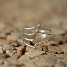 Zilveren bolletjes ring