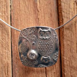 Zilveren uil hanger met Swarovski