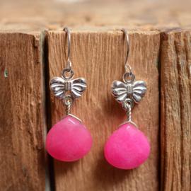 Zilveren oorbellen met strikjes en roze Jade