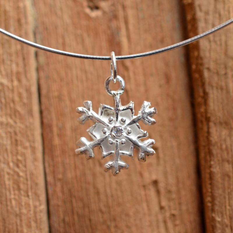 Zilveren sneeuwvlok met zirkonia