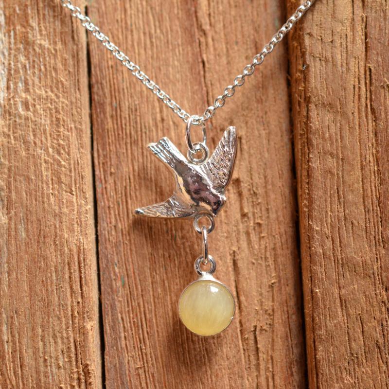 Zilveren vogelhanger met Jade