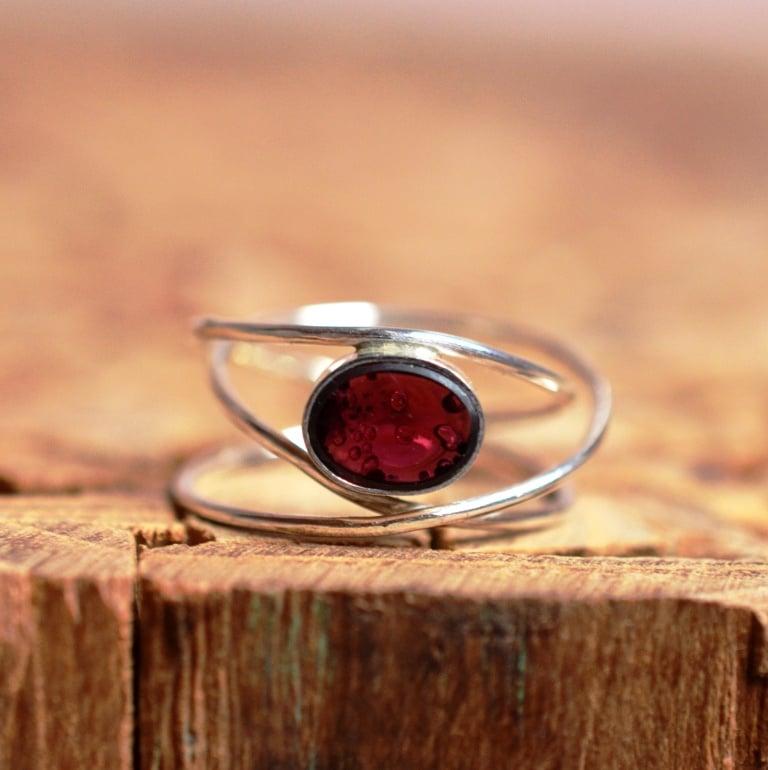 Zilveren ring gezet met Amethist