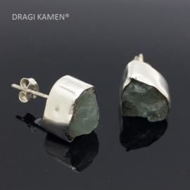 DRAGI KAMEN® - 925 Zilveren oorsteker met ruwe Aquamarijn.