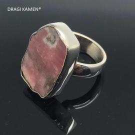 Handgemaakt 925/000 zilveren ring met rhodochrosiet.  Ringmaat 18