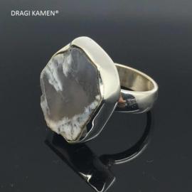 Handgemaakt 925/000 zilveren ring met dendriet opaal.  Ringmaat 17,5