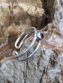 925 Zilveren pink ring met geslepen granaat (verstelbaar)