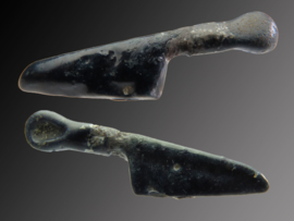 Phoenician glass knife