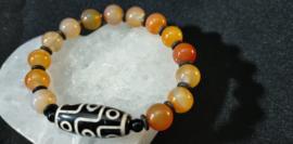 Tibetaanse  Agaat armband met Dzi kraal 9 ogen