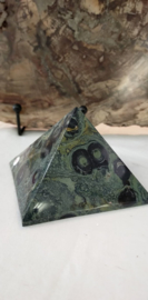 Kambaba uit Madagascar ( sjamanensteen) Piramide